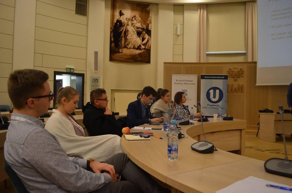 Uczestnicy szkolenia aktywnie uczestniczyli w dyskusji i dzielili się spostrzeżeniami na temat dobrych praktyk stosowanych na ich Uczelniach.